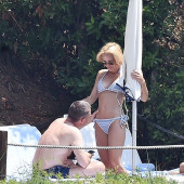 Gillian Anderson bikini