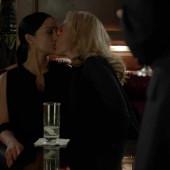 Gillian Anderson kiss