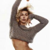 Hailey Baldwin sexy