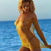 Hailey Clauson naked