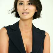 Han Sung-ju dekollete