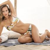 Hannah Davis body