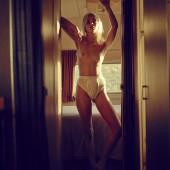 Hannah Glasby tits