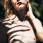 Hannah Holman nackt