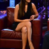 Hannah Simone legs