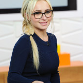 Hayden Panettiere glasses