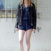 Heather Graham legs