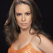 Holly Marie Combs sexy