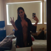 Holly Sonders leaks