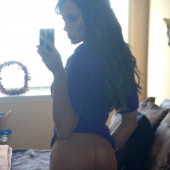 Holly Sonders pantyless