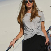 Hope Hicks sexy