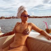 Iggy Azalea bikini
