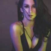 Ina Raymundo cleavage
