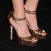 Inbar Lavi feet
