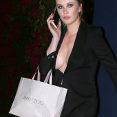 Ireland Baldwin cleavage