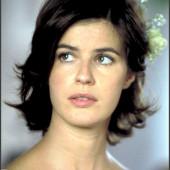 Irene Jacob sexy