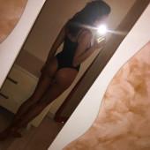 Irina Shayk selfie