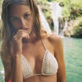 Isabelle Cornish nude