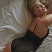 Iskra Lawrence fappening