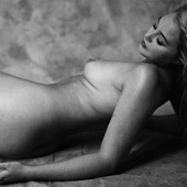 Iskra Lawrence naked