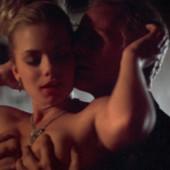 Jaime Pressly nude scene