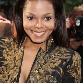 Janet Jackson braless
