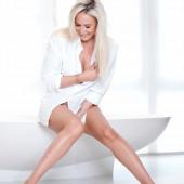Janine Kunze nackt