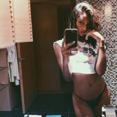 Jasmine Tookes selfie