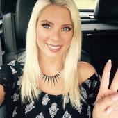 Jenny Frankhauser selfie