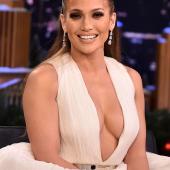 Jennifer Lopez dekollete