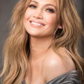 Jennifer Lopez facial