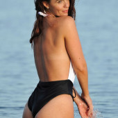 Jennifer Metcalfe beach