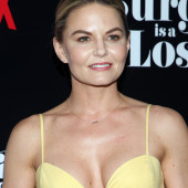 Jennifer Morrison braless