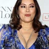 Jennifer Tilly cleavage