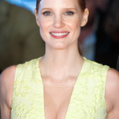 Jessica Chastain braless