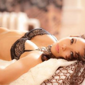 Jessica Parker Kennedy lingerie
