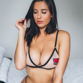 Jessica Lee Rose cleavage