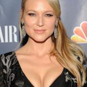 Jewel Kilcher cleavage