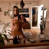 Joanna Noelle Levesque selfie