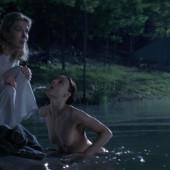 Jodie Foster oben ohne