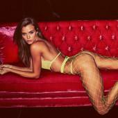 Josephine Skriver hot