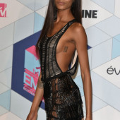 Jourdan Dunn sideboob
