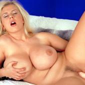 Julia Miles Nackt