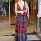 Juliette Lewis braless