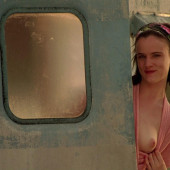 Juliette Lewis topless