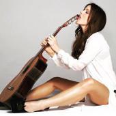 Kate Beckinsale legs