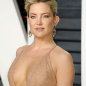 Kate Hudson braless