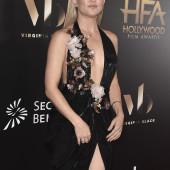 Kate Hudson cleavage