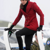 Kate Middleton leather gloves