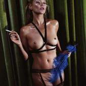 Kate Moss nude pics